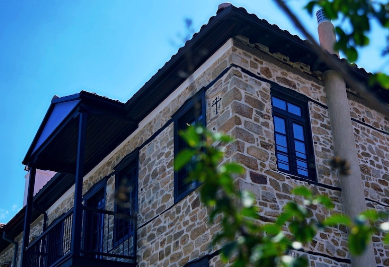 Chorostasi Mansion, Aristotelis, Fassaad