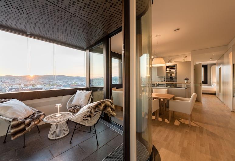 Skyflats Vienna, Viena, Apartamento panorâmico, Vista para a colina, Área de estar