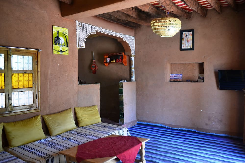 Traditional House, Multiple Beds, Garden View, Garden Area - Living Area