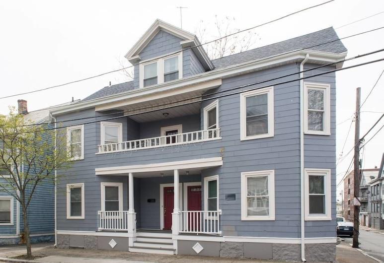 Apartments in Salem, Salem