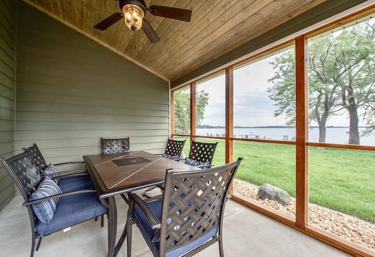 Lake Darling Resort, Alexandria, Deluxe Duplex, 4 Bedrooms, Lake View, Lakeside (Minimum 2-3 night stay required), Terrasse/veranda