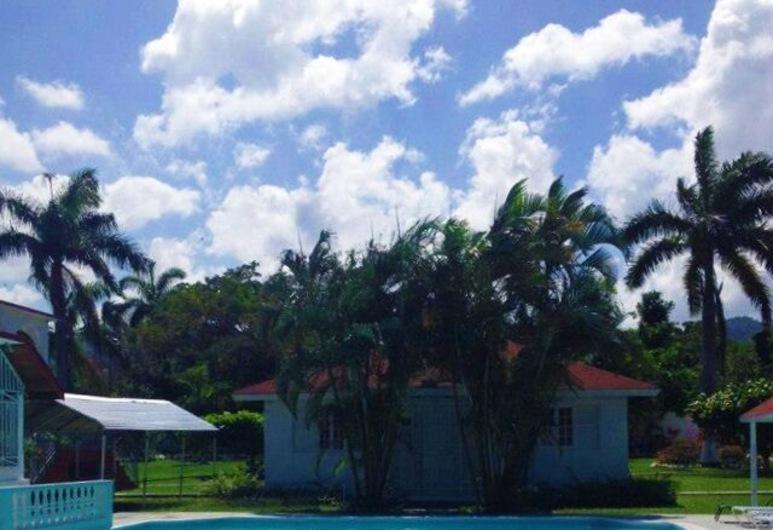 Executive Mamme Bay Hotel and Conference, Ocho Rios, Kolam Renang Luar Ruangan