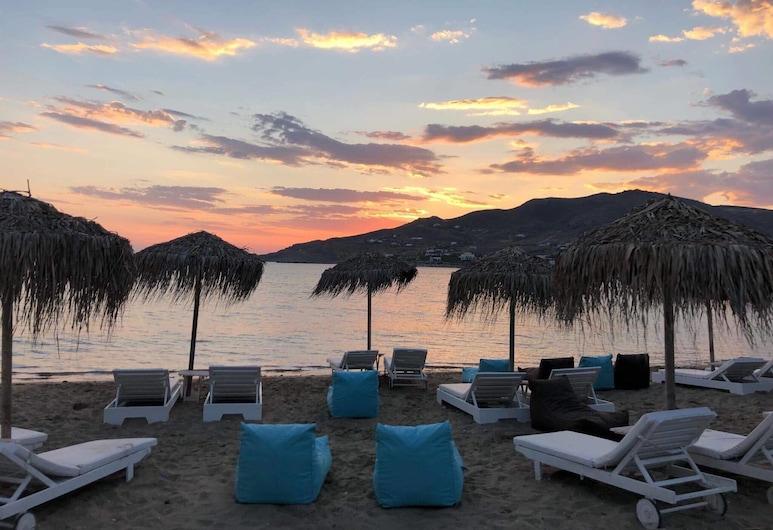 Di Mare, Syros, Pantai