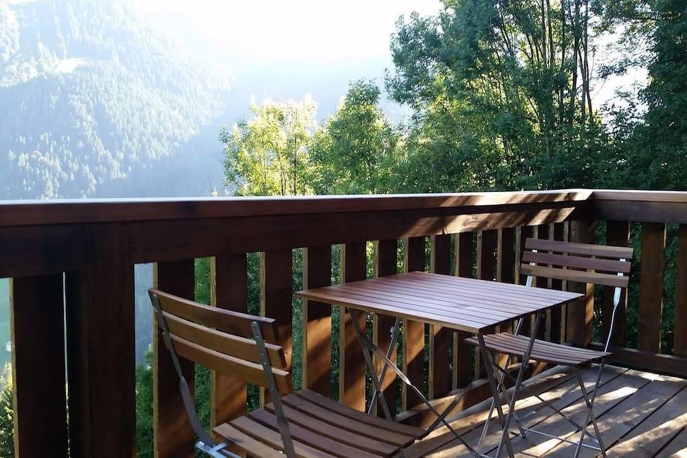 Faház, 4 hálószobával, terasz, kilátással a hegyre - Erkély