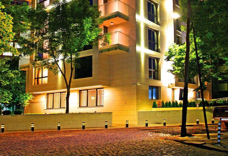 VIKO Boutique Apart Hotel, Sofia, Hotellets front – kveld/natt