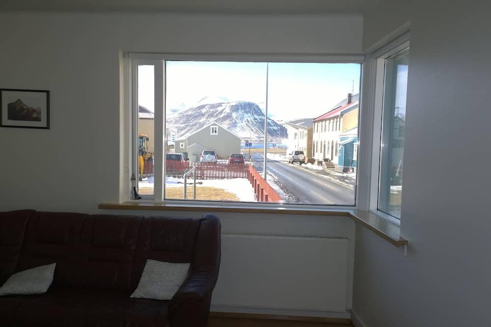شقة - غرفتا نوم - منظر للخليج - غرفة معيشة
