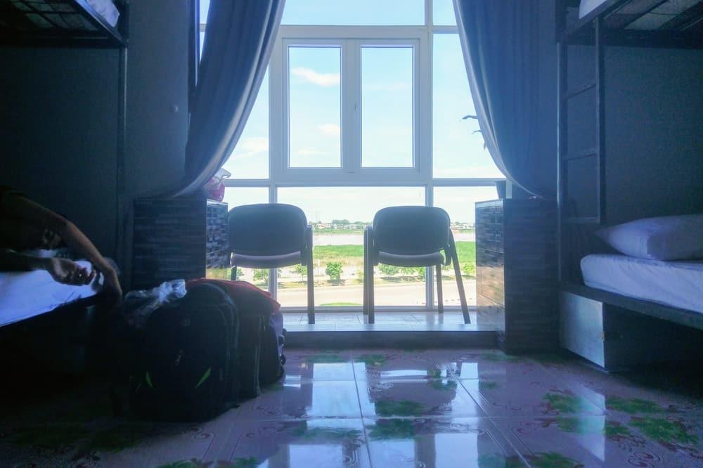 Shared Dormitory (4 beds) - Balcony
