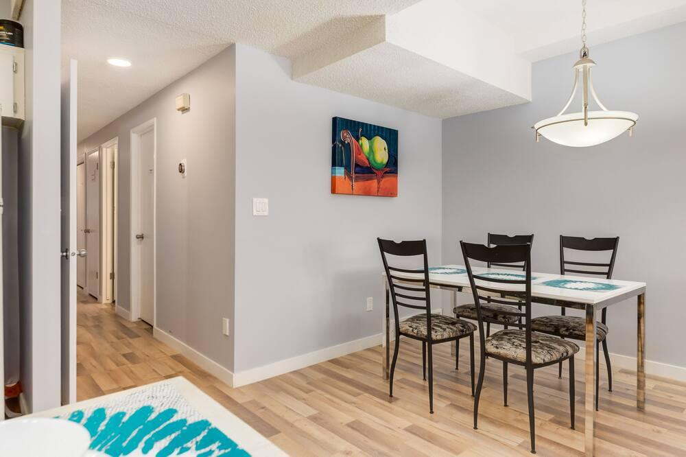 Departamento, 4 habitaciones, chimenea - Servicio de comidas en la habitación