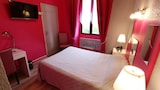 Reserve this hotel in Montmarault, France