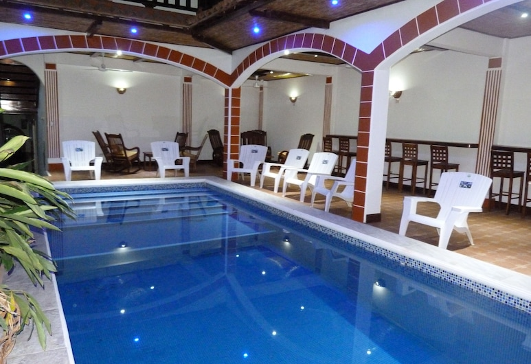 Hotel La Gran Sultana, גרנדה, בריכה מקורה