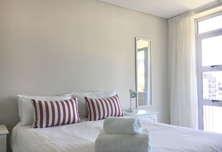 Cascades 2 bed 'FRESH LOOK & GREAT VIEW', Cape Town