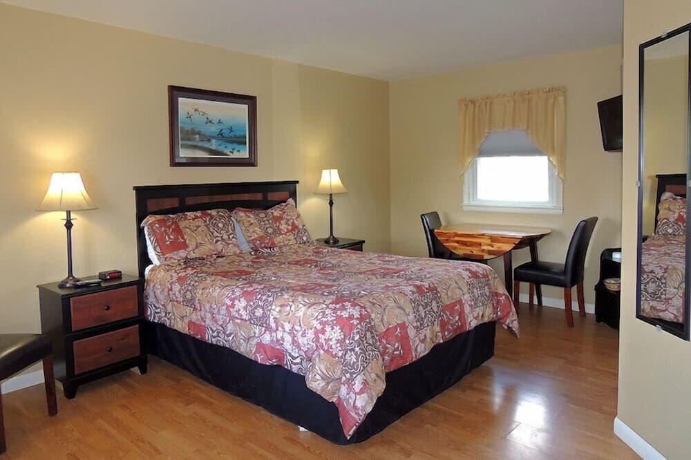 Queen Room - Guest Room