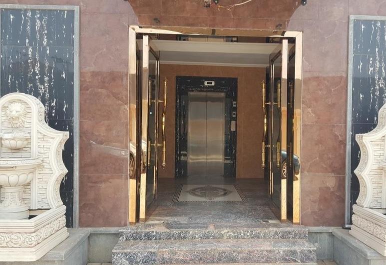 Gamji Royal Apartment, Abuja, Vstup do zariadenia