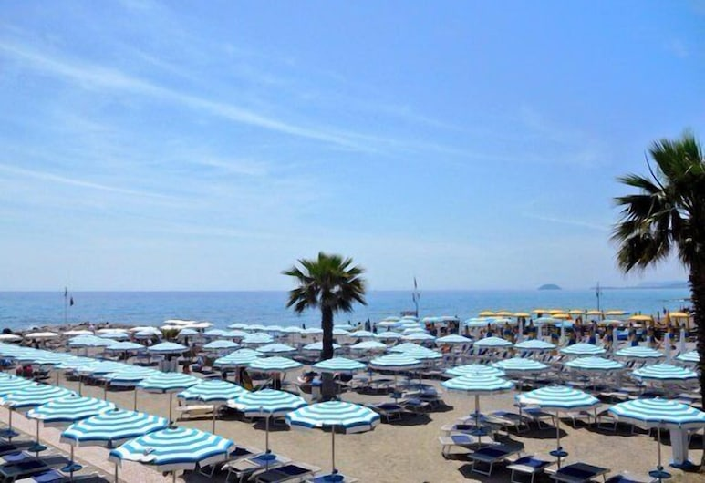 Hotel Excelsior, Loano, Strand