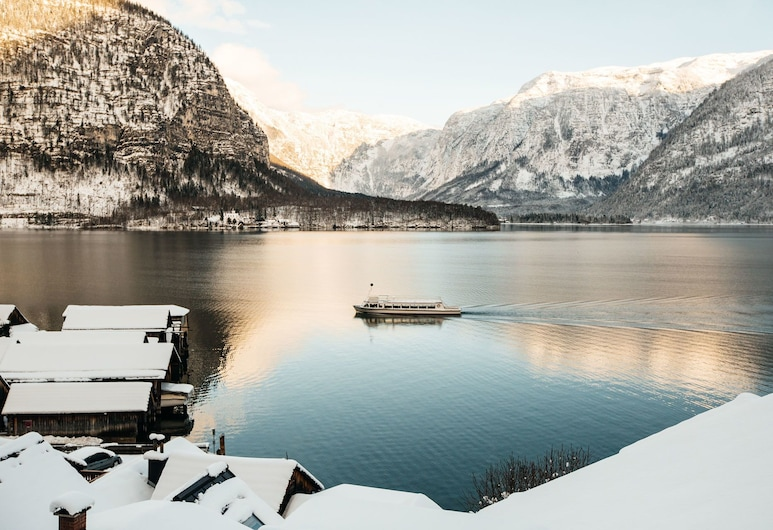 Hallstatt Hideaway - Adults only, Hallstatt, Luxury Suite, Hot Tub, Lake View, View from room