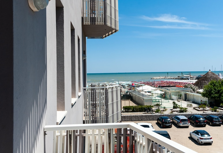 Hotel Viamare, Cervia, Basic Double or Twin Room, Balcony, Sea View, Guest Room