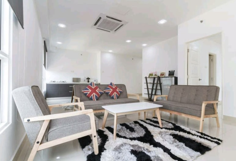 StayNest Suites @ Gurney Drive, George Town