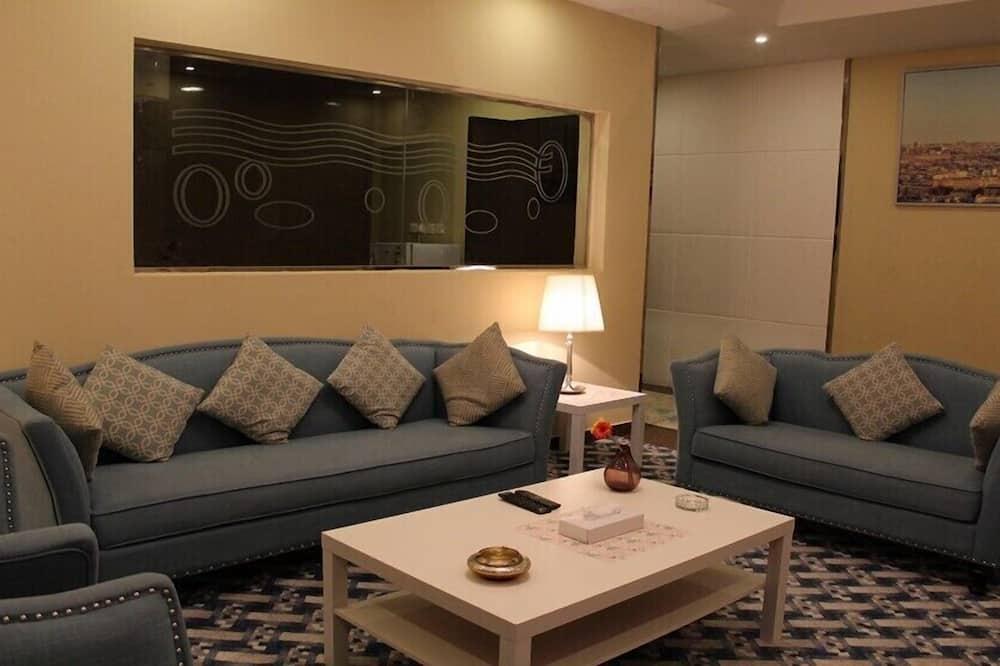 Deluxe-Apartment, 1 Schlafzimmer, barrierefrei, Stadtblick - Wohnzimmer