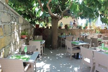 Foto Hôtel Restaurant U Santa Maria di Corse-Du-Sud