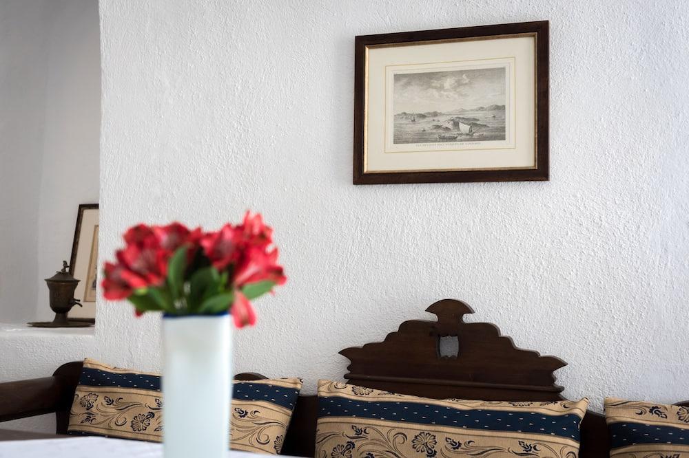 Classic Villa, Sea View - Living Area