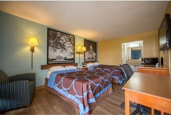 Picture of Super 8 by Wyndham Alexandria/Washington D.C. Area in Alexandria