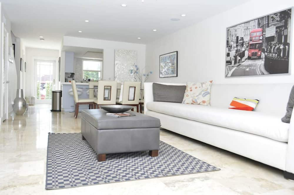 2 Bedroom Homes in North Miami by TMG