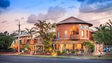 Choose This 2 Star Hotel In Byron Bay
