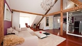 Choose this Apartment in Freiburg - Online Room Reservations