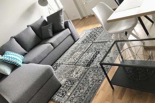 碼頭公寓飯店/