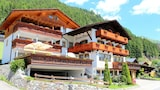 Choose this Pension in Moso in Passiria - Online Room Reservations