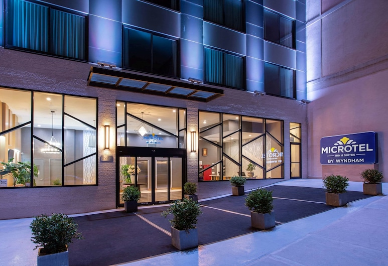 Microtel Inn by Wyndham Long Island City, לונג איילנד סיטי