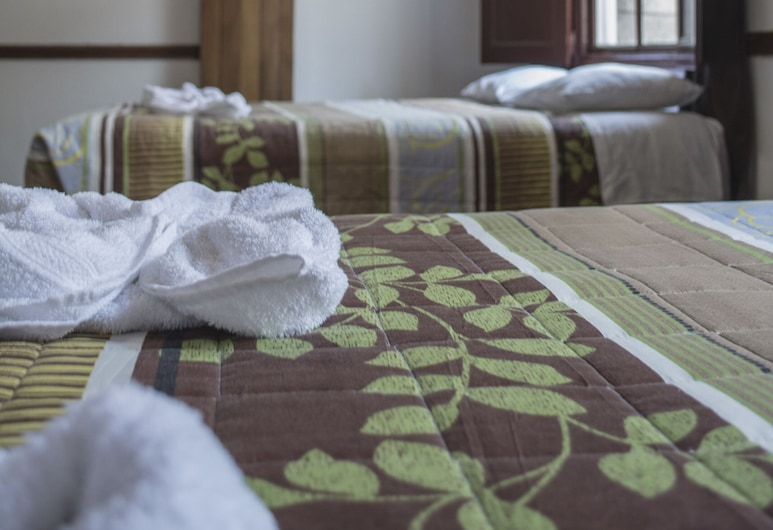 Hotel Ajau Colonial, Guatemala City, Standardrum - flera sängar, Gästrum