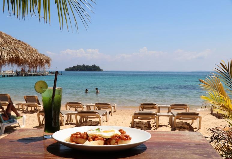樹屋平房渡假村, 瓜隆島, 海灘