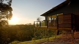 Reserve this hotel in Elevated Plains, Victoria