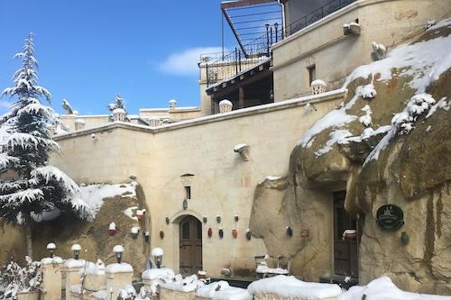 迪米所斯洞穴飯店/