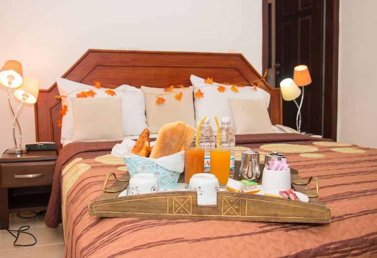 Cypa Hotel, Abidjan, Junior-suite - 1 queensize-seng, Værelse