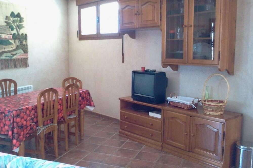 Kétszintes, 3 hálószobával (Apartment 2) - Nappali