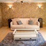 Deluxe Apartment, 1 Bedroom - Living Room
