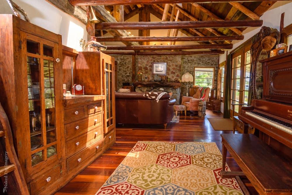 經典單棟小屋, 2 張加大雙人床, 海景, 向海 - 客廳