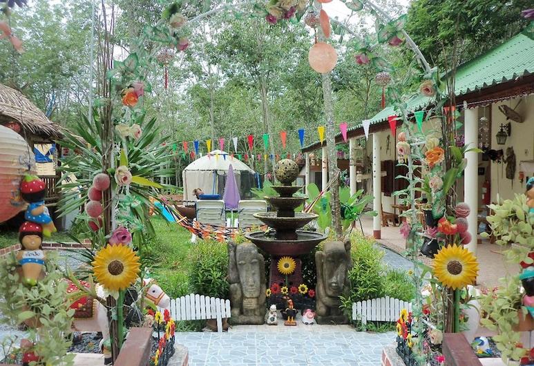 Soodsoi Resort, Sa Khu, Garden