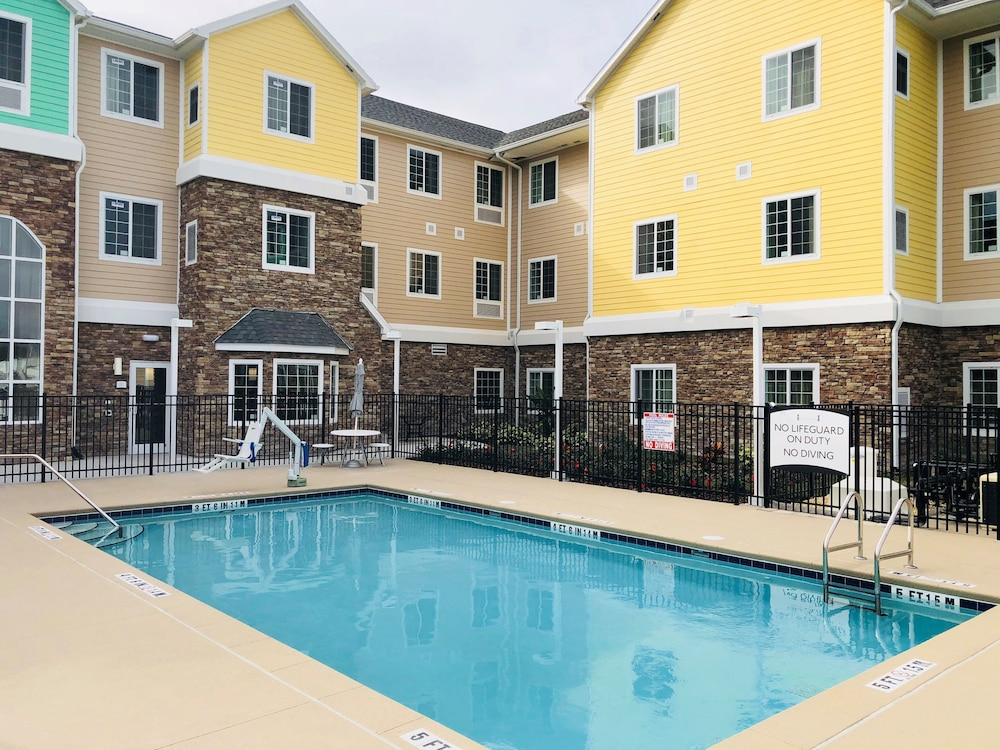 Staybridge Suites Lakeland West Pool
