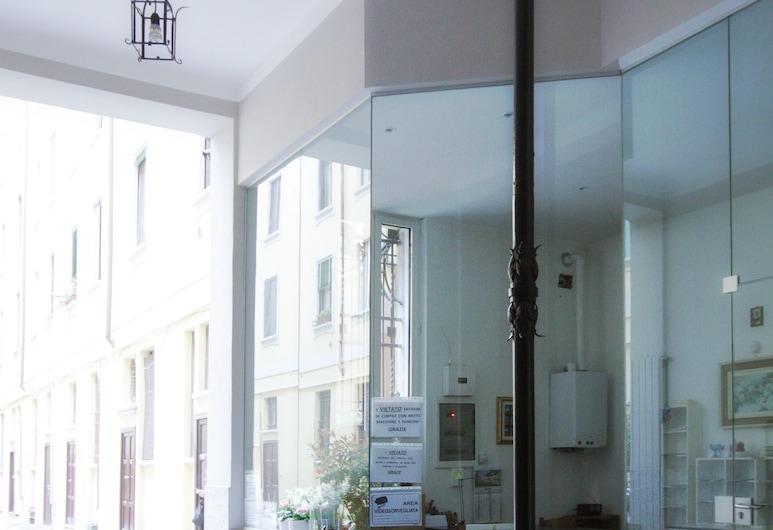 NotaMi - Colorful Apartment Porta Romana, Milāna, Naktsmītnes ieeja