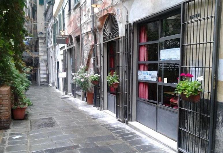 聖羅倫佐阿奎利歐旅館, 吉那歐