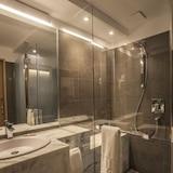 Dusche im Bad