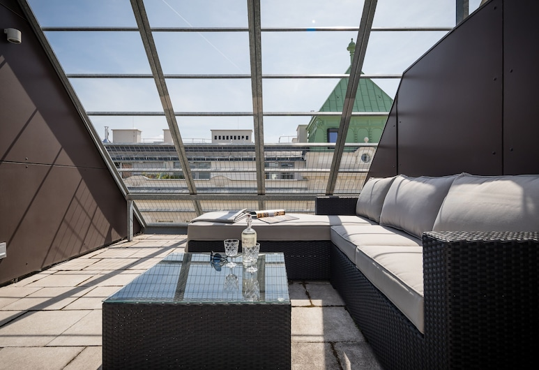 Rafael Kaiser - Business Apartments, Wien, Deluxe Penthouse Apartment mit Terrasse (incl. 29€ cleaning fee), Terrasse/Patio