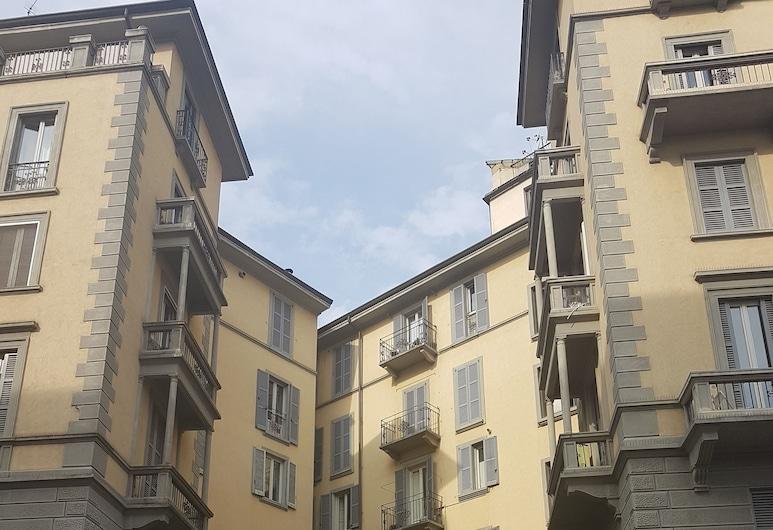 Aldebaran, Μιλάνο, Εξωτερικός χώρος