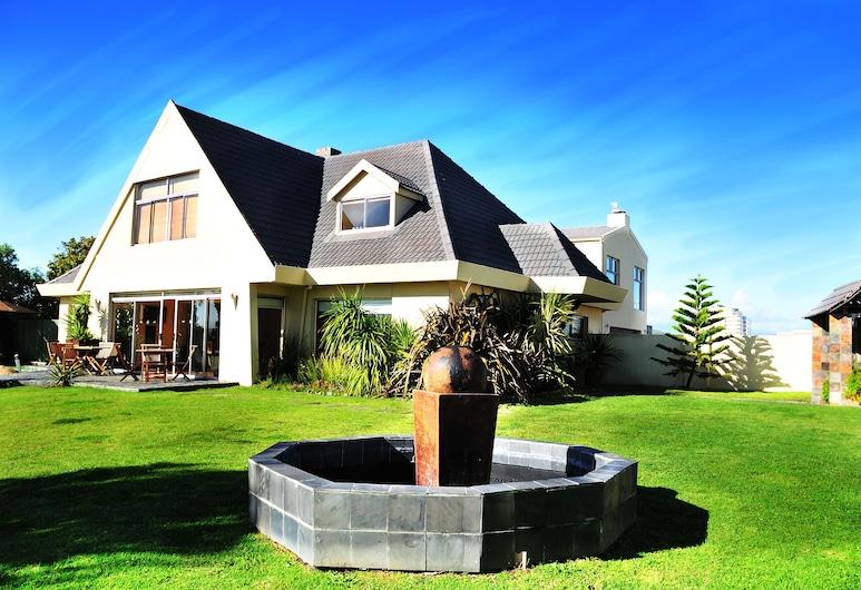 Mandalay Beach Guest House, Cape Town