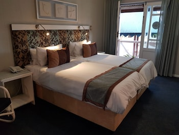 Picture of Oceans Hotel & Self Catering  in Mossel Bay