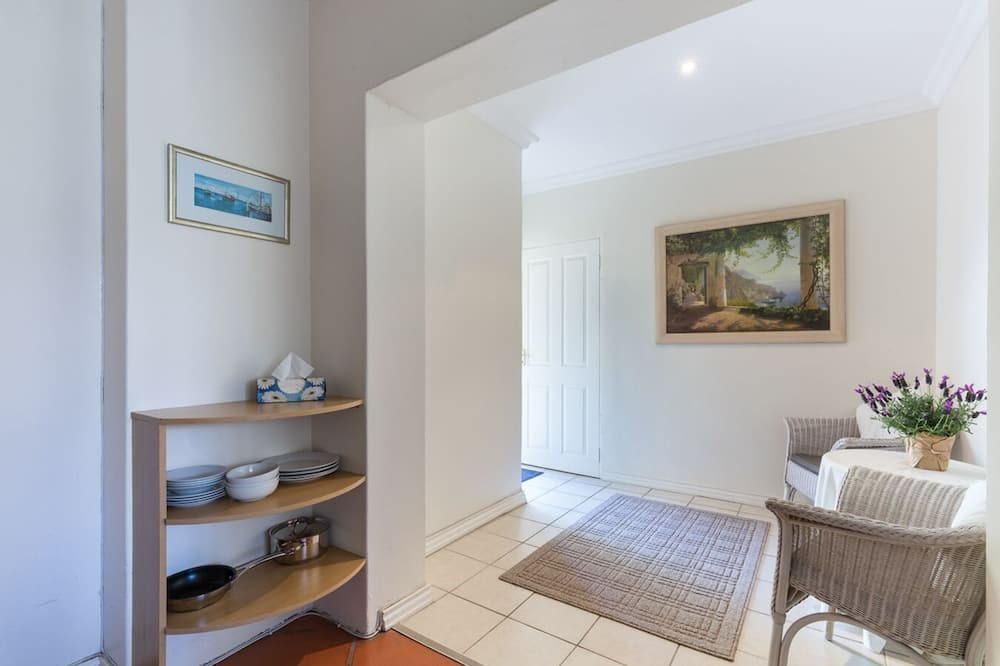 Sunset Room  - Living Area