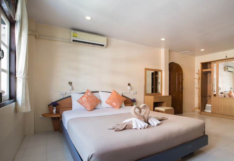 Stefans Guesthouse, Pattaya, Family Room, Guest Room